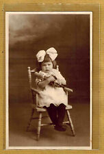 Carte Photo vintage card RPPC enfant fillette noeud coiffure mode fashion ph0126