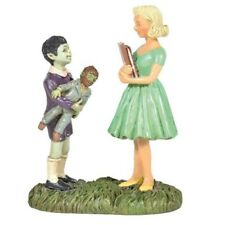 Department 56 The Munsters Village Eddie and Marilyn Munster Figurine 6005637