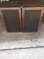 Vintage Pair Of Sansui SP-200 Speakers