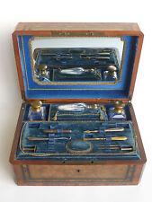 Coffret de voyage pour dame en marqueterie du XIXème siècle