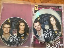 One tree hill Season 7 DVD signed by Cast Austin Nichols, Robert Buckley