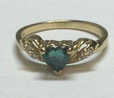 beautiful 14kt yellow gold heart emarald + diamond ring