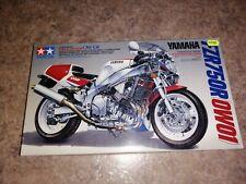 Tamiya 14058 1/12 Yamaha FZR750R (0W01) Motorcycle
