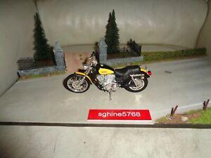 Maisto 1/18 - Moto Harley Davidson 2000 XL 1200 C Sportster 1200 Custom - AL