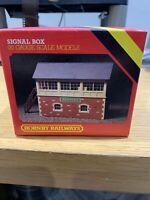 HORNBY R503 SIGNAL BOX NEW ASHFORD OO Gauge Scale Models