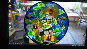 """Hanging Glass Suncatcher Painted Flowers Hibiscus or Lily 6 1/2"""" Great Condition"""