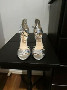 Designer Ladies Silver Shoes By Siren Size 6 5 BNWT