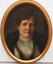 Portrait de femme  Huile sur toile Ecole française début XXème siècle