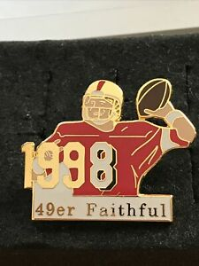 SF 49ERS TEAM NFL. STEVE YOUNG #8 PLAYER LAPEL PIN. RARE .VINTAGE.