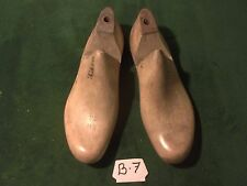 VINTAGE PAIR Wood Size 9-1/2 EE WORKER Industrial Shoe Factory Last Mold  #B-7