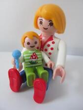 Playmobil Dollshouse family figures: Mum & baby with rattle (blonde hair) NEW