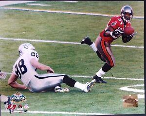DEXTER JACKSON Super Bowl XXXVII INTERCEPTION 8X10 PHOTO Tampa Bay Buccaneers