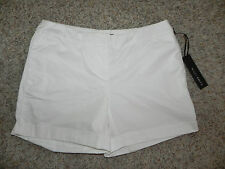 WILLI SMITH WHITE CUFFED CASUAL SHORTS SIZE 4 WOMENS NWT