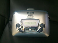 RCA RP-1876A Portable Cassette Player FM/AM Radio - Works