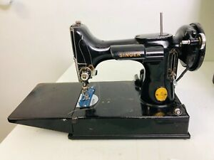 Vtg Singer 221 Featherweight sewing machine A6987144  recently serviced