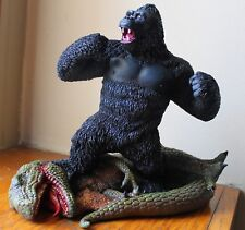 KONG TRIUMPHANT! King Kong built and hand painted / 1 of 500 made