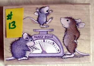 HOUSE MOUSE MOUNTED RUBBER STAMP - 2003 - WEIGHING BABY - MINT NEVER USED # 13
