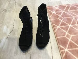 Ladies Long Tall Sally Shoes Size 9
