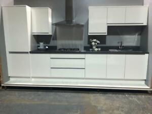 Kitchen Units White High Gloss - Modern Handleless Design
