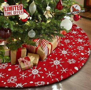 Christmas Tree Skirt Large Red Traditional White Snowflakes Rare Beautiful NWOT