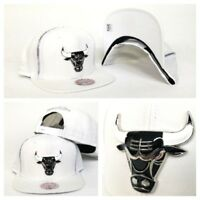 Mitchell & Ness Zipper White / Silver Metal Badge Chicago Bulls snapback Hat Cap