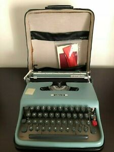 50s Vintage Underwood Olivetti Lettera 22 Portable Typewriter Case & Accessories