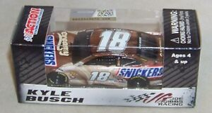 1:64 ACTION 2019 #18 SNICKERS CREAMY JGR TOYOTA CAMRY KYLE BUSCH NIB