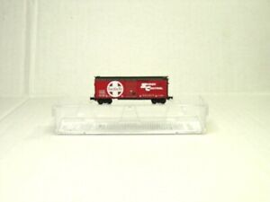 MICRO-TRAINS LINE Z SCALE 40' STANDARD SINGLE DOOR BOX CAR ATSF 50000046