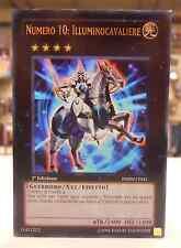 Yu Gi Oh Carta Mostro XYZ NUMERO 10 ILLUMINOCAVALIERE PHSW-IT041 ITALIANO 1° Ed.