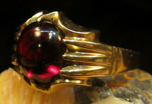 18K Solid Gold and Garnet Size 10 Ring!