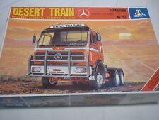Kit Italeri un hecho de plástico de un tren desierto de Mercedes Benz, En Caja