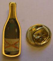 CHAMPAGNE DE CASTELLANE French Wine vintage pin badge