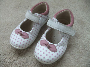 Girls Clarks White & Pink Spotted Mary Jane First Shoes ~ Size 4.5F/20.5eur