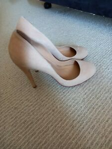 Lisa Ho Nude Suede Heels . Size 40. As New