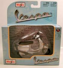 2003 '03 VESPA 125 SCOOTER BIKE MOTORCYCLE MAISTO 1:18 DIECAST RARE