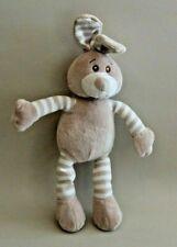 Peluche doudou lapin beige rayures hochet grelot Soft Friends 30 cm