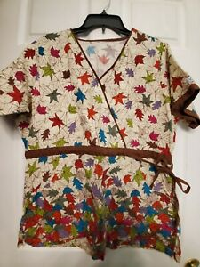 """Scrub Top size Large-Falling Leaves V-Neck Chest 24""""/L29"""" (label removed)"""