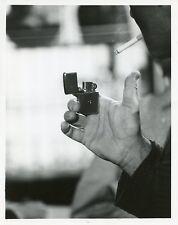 EFREM ZIMBALIST JR CIGARETTE LIGHTER LIGHTS CIGARETTE THE FBI 1967 ABC TV PHOTO