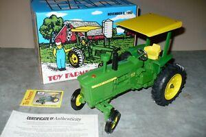 4010 1/16 JOHN DEERE TOY FARMER NATIONAL FARM TOY SHOW Tractor 1993 NIB Ertl