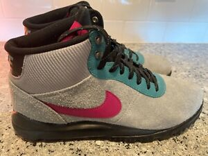 NIKE Hoodland Gray Suede Magenta & Teal    Size 12 Boots