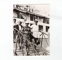 AK Ansichtskarte Personen beim Landgang