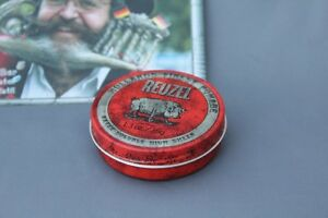 Reuzel Pomade Red 35 Size Middle Hold Stronger Gloss