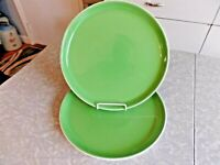 "ONEIDA ""COLOR BURST"" 2 PC. DINNER PLATE SET in the KIWI GREEN COLOR"