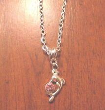 collier argenté avec pendentif dauphin strass rose