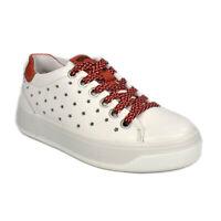 Scarpe IGI&CO Sneakers in pelle bianca dettagli rosso decoro a stella - 5157322