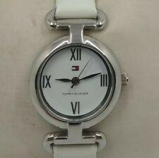 Reloj TOMMY HILFIGER para mujer. Correa piel blanca.