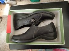 NIB - Clarks - 11M - Black - Azlyn Luck - Leather slip on Shoe