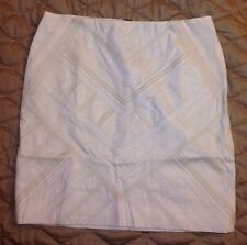 WHITE HOUSE BLACK MARKET EMBROIDERED PENCIL SKIRT SIZE 6 NWT