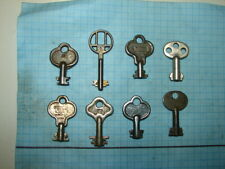 8 KEYS 6/8 LEVER LOCK KEYS - OLD - ANTIQUE