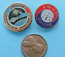 NASA enamel PIN pair Apollo Soyuz Slayton Stafford Brand / Russia Leonov space